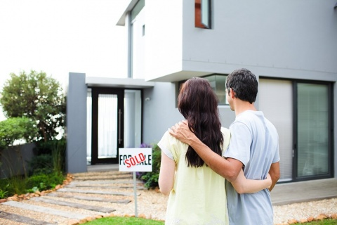 A-Quick-Guide-To-Becoming-a-Real-Estate-Agent