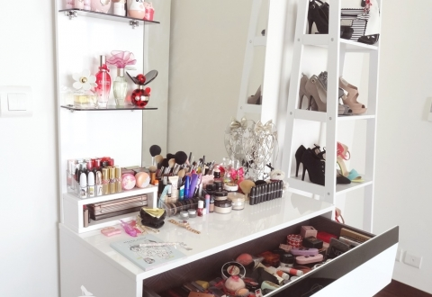 How to Organize Your Vanity Area Picture