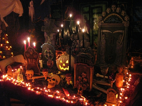 Indoor Halloween Decorating Ideas Picture