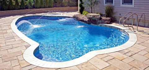 Clean swimming pool