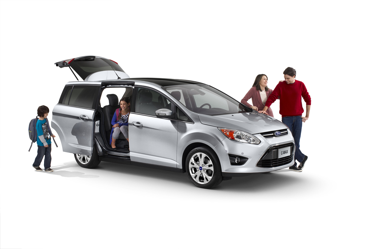 Must have features in terms of family cars picture